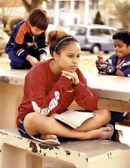cristian-barefoot-girl-sitting-in-the-park_-blog-for-christian-girls.jpg